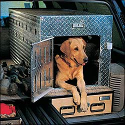 The aluminum in-line double dog box offers shade and innovative space-saving features, keeping your best friend safe while you travel.